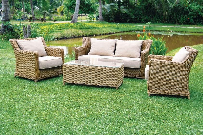 Hot selling small group wicker sofa furniture e005 for Small outdoor sofa