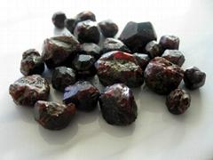 新疆阿勒泰自产石榴石