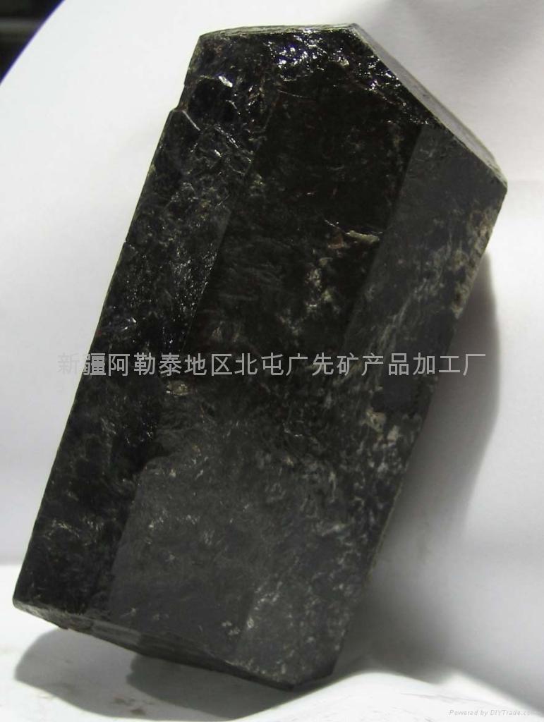 (原产地)新疆单晶体电气石 2