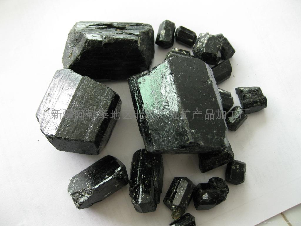 (原产地)新疆单晶体电气石 1