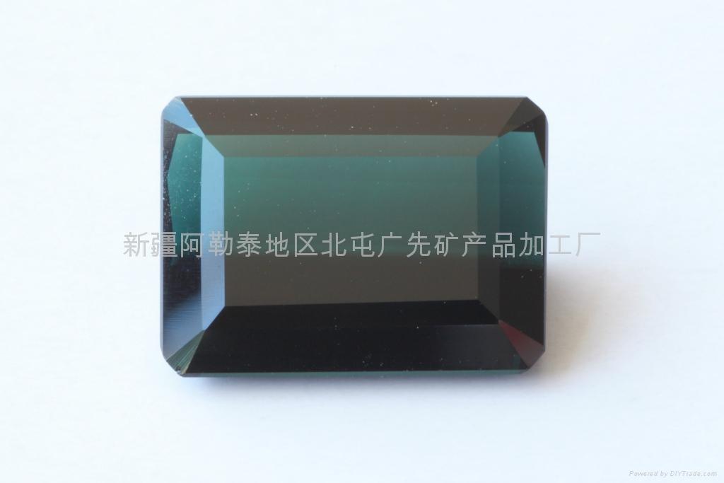 新疆蓝色方形碧玺裸石(精品) 1
