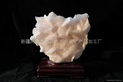 (   )粉色方解石