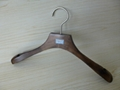 [ZRICH] Lotus wood luxury suit hanger coat hangers with wood bar made in Guangxi  2