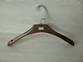 [ZRICH] Lotus wood luxury suit hanger coat hangers with wood bar made in Guangxi  3