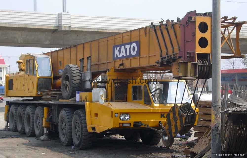 加藤120吨汽车起重机 1