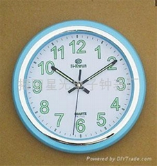 Wall clock with noctilucent