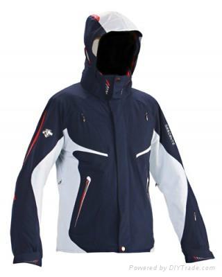 hiking clothing  3