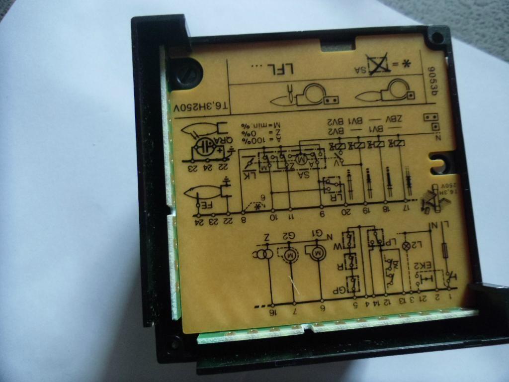 西门子LFL1.333燃烧控制器 2