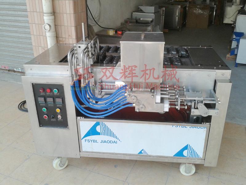 DJ-100  Automatic filling layer cake machine(video) 2