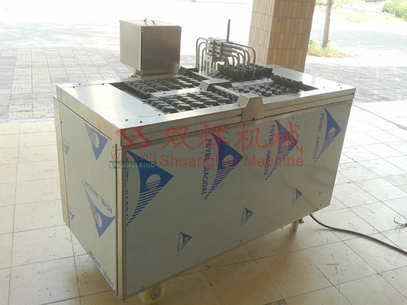DJ-100  Automatic filling layer cake machine(video) 3