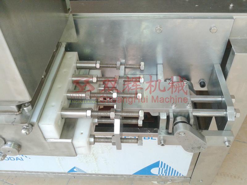 DJ-100  Automatic filling layer cake machine(video) 5
