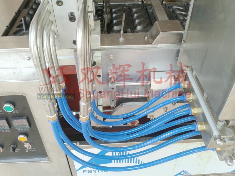 DJ-100  Automatic filling layer cake machine(video) 6