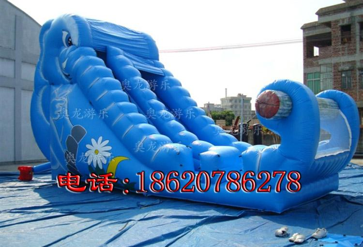 Inflatable pool combination of water slides 7