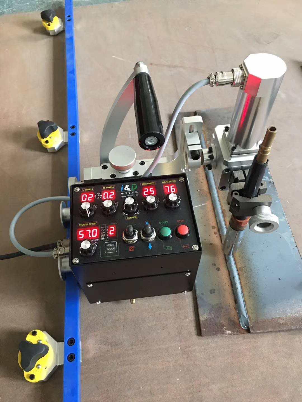 3D柔性轨道摆动式焊接小车 3