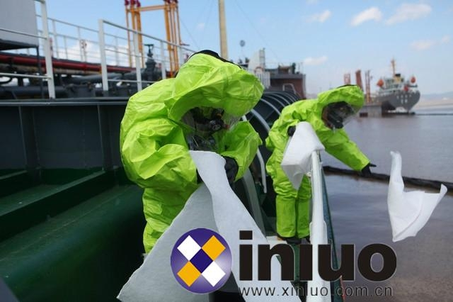 Offshore oil leak clean-up special oil-absorbing cotton 3
