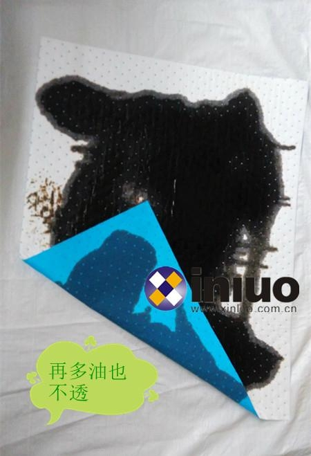 Automotive maintenance ground laying oil spill to prevent the special oil pad