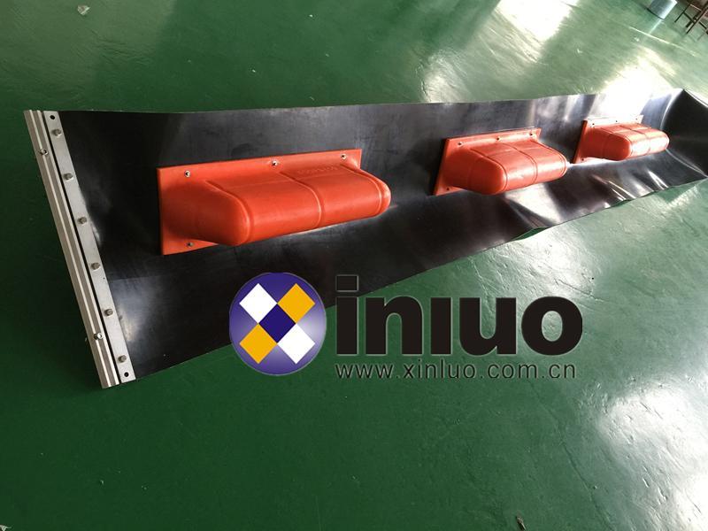 坚固耐用型长期放布水域拦截油污垃圾污染浮体围栏 3