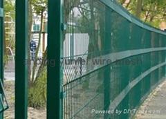 高安全护栏