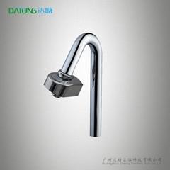新型節水器自動水嘴龍頭適配器廚房設備 手動龍頭變自動龍頭
