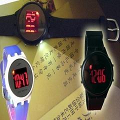 多功能彩色夜光手表
