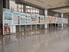 諾迪士定做學校活動展示板帶支架移動水松布板