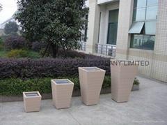 PE rattan flower pot