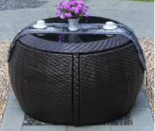 European-style idyllic outdoor space to save leisure and round rattan coffee tab