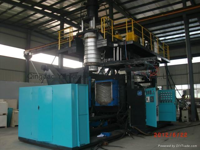 750L Double Layers Tank Blow Molding Machine 1