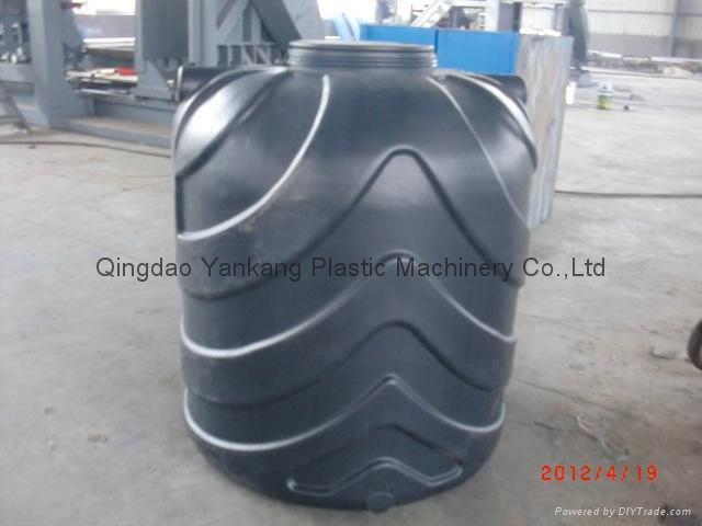 3000L Three Layers HDPE Tank Blowing Mold Machine 2