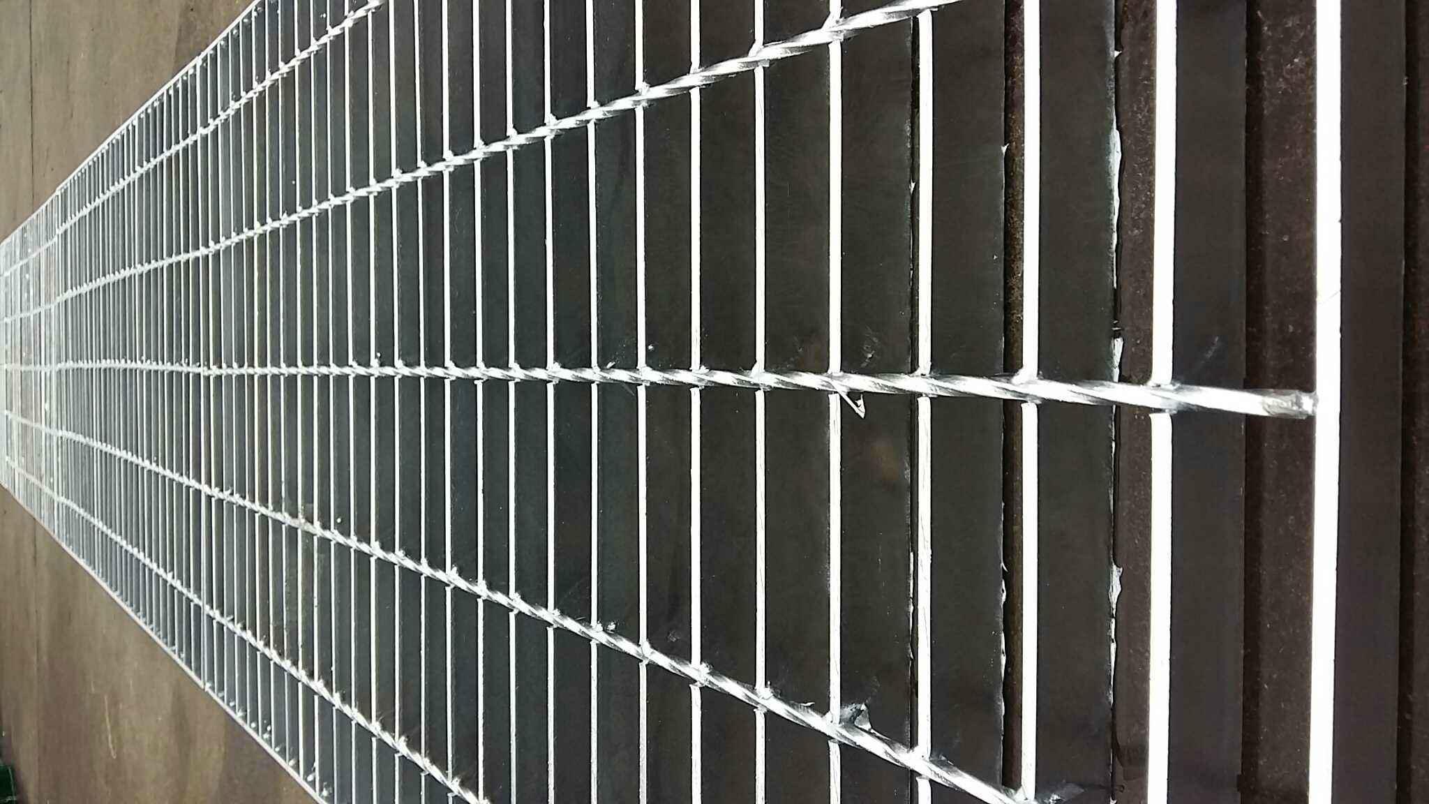 超峰镀锌钢格板厂