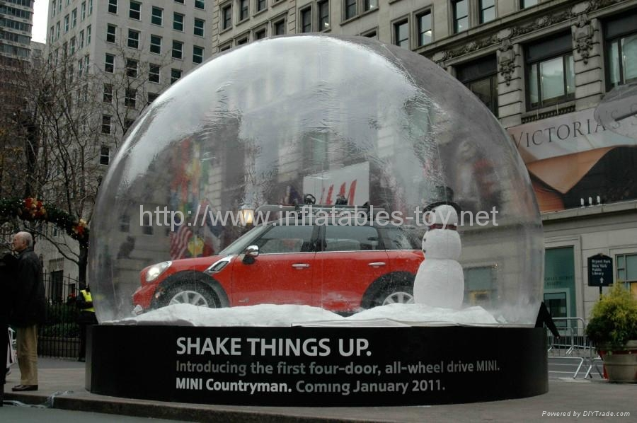 Inflatable snow globe with flake snow for car show advertising