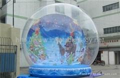 inflatable snow globe for Christmas