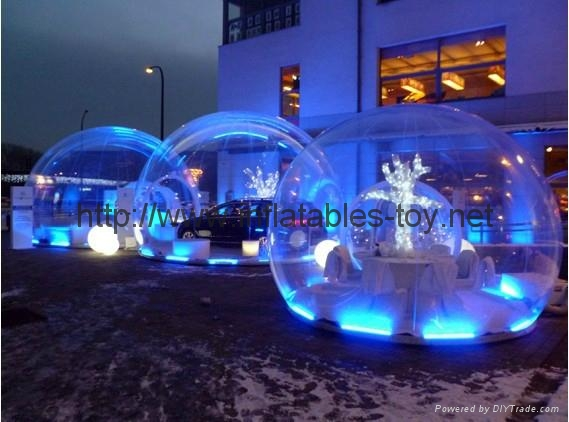 Inflatable Snow Globe with Light and Flake Snow