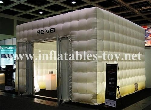 Waterproof cube tent for outdoor event