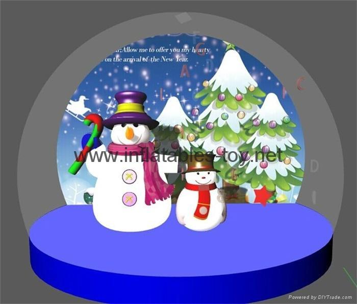 Christmas Snow Globe with Snowman and Christmas Tree 1