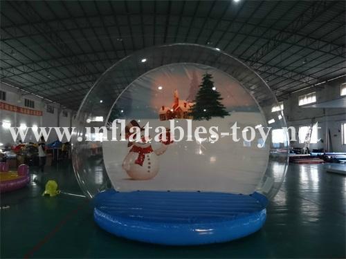Chriatmas inflatable snow globe
