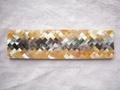 人字形貝殼馬賽克裝飾酒櫃包柱子