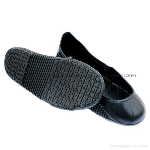 Men and women's kitchen footwear work shoe covers non slip waterproof shoes 5