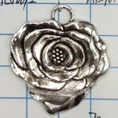 Ancient silver rose zinc alloy pendant