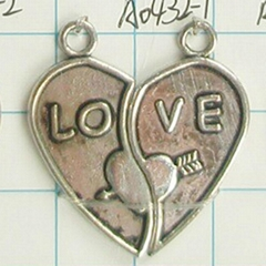 custom break heart pendant stainless steel Jewelry heart pendant of two halves