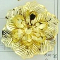 Gold iron flower pendant