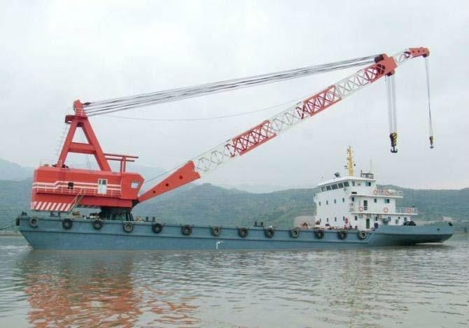 300 ton floating crane 300 ton crane barge 300t for sale price 3 million only    1