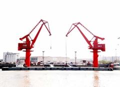 floating crane barge for