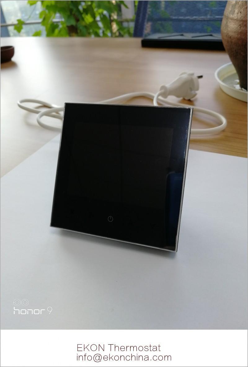 Negative black screen white backlit 2pipe FCU room thermostat-TF-702 series 2