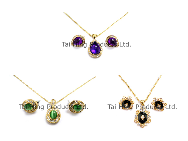 Classic Necklace & Earrings 1