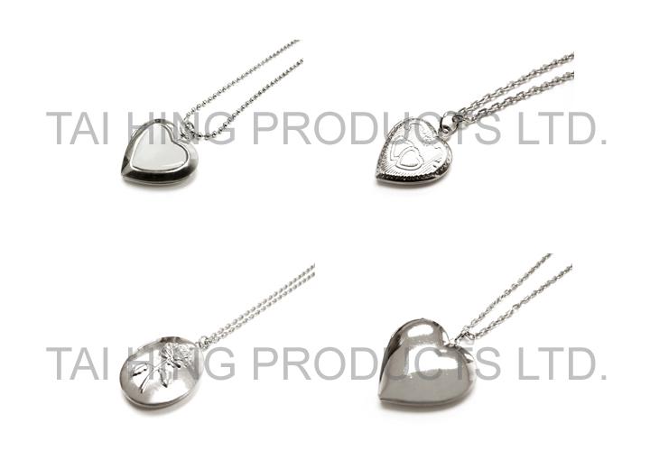 Locket Pendent Necklace  1