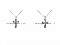十字架吊坠颈链