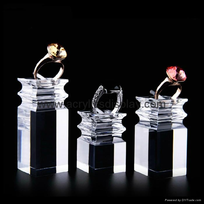 Acrylic earring stand display