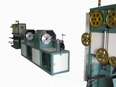 Horizontal wire wrapping machine