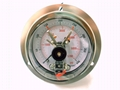 Pressure gauge with electrical contact